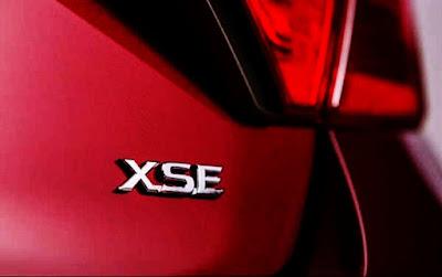 2017 Toyota Camry XSE Specs Logo