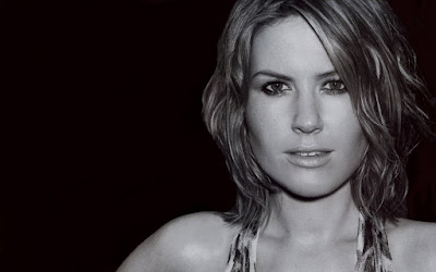 English Singer Dido Black & White HD Wallpapers