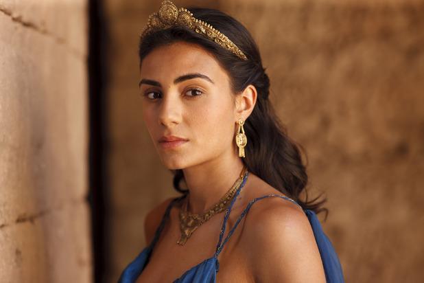 Ariadna (Aiysha Hart) en Atlantis
