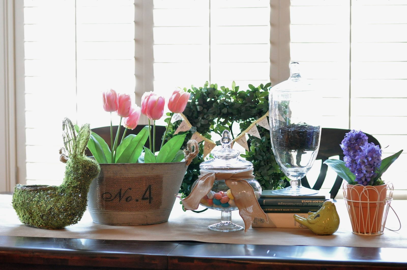 Spring table centerpiece idea and a silhouette double