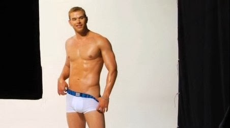 Kellan lutz bulge naked topless