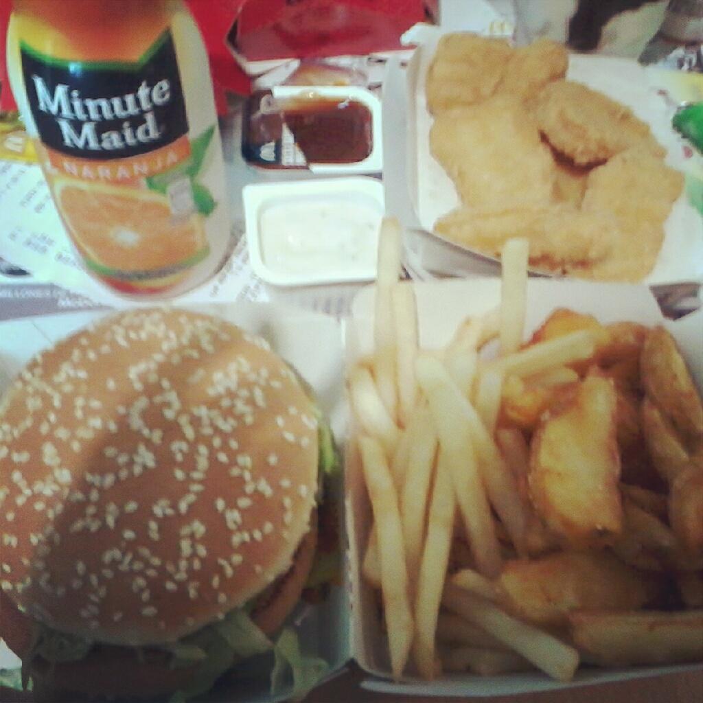 McDonalds comida hamburguesa patatas food