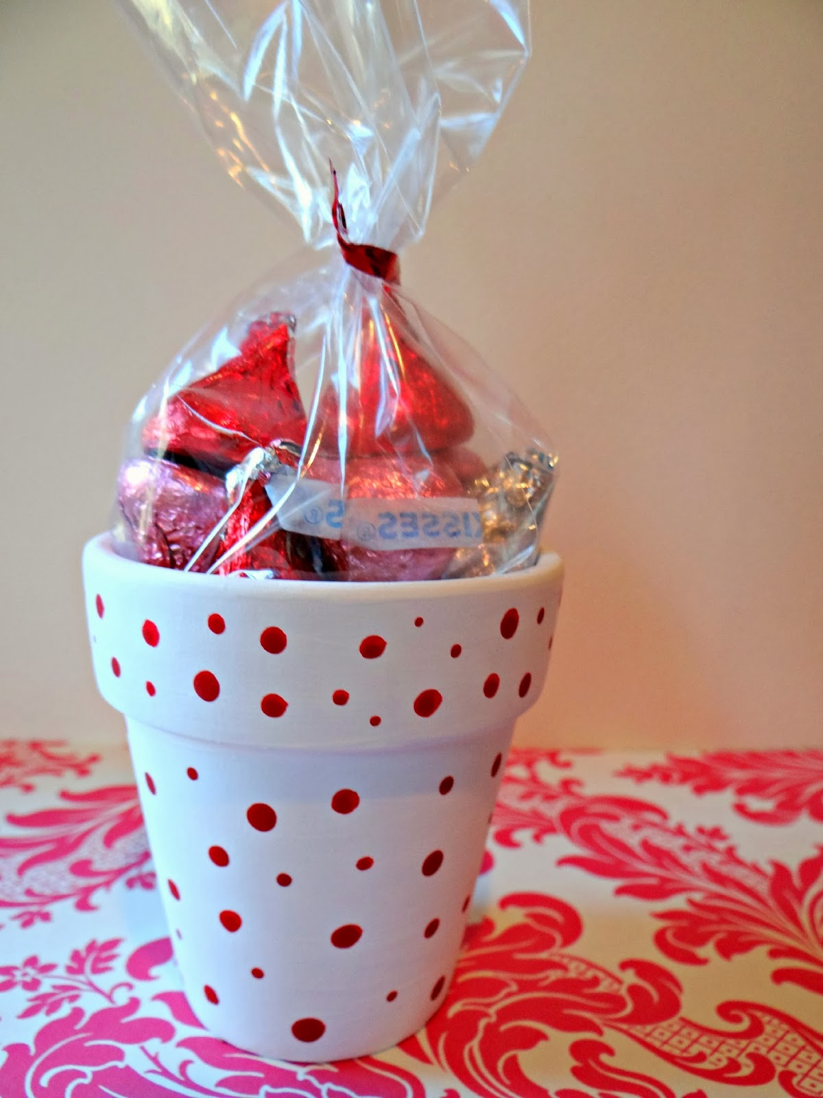 an easy and inexpensive way to show someone that youve been thinking about them - Cheap Valentine Ideas