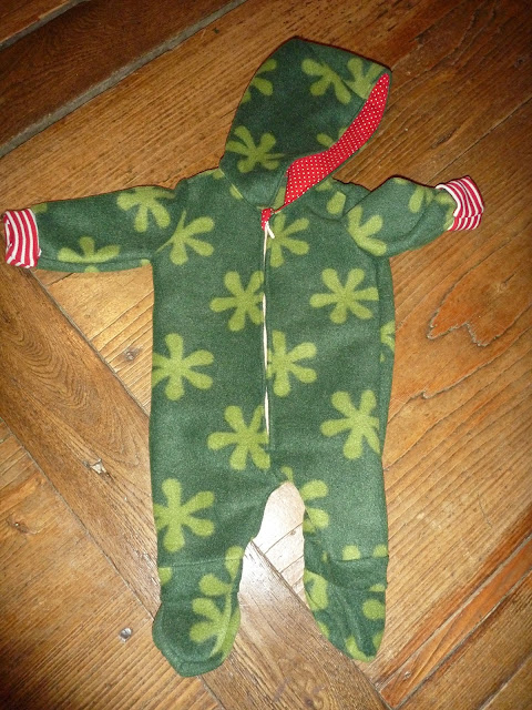 Baby Anzug selber nähen Schnittmuster gratis kostenlos Freebook