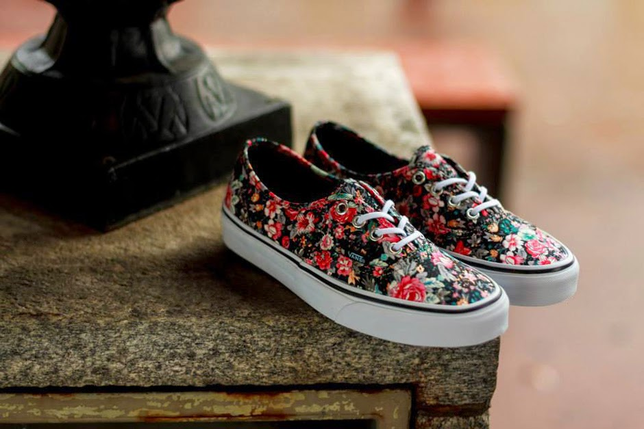 fb049a6e000b Vans looks towards the end of the summer and the start of leaves falling  with a new rendition to the Authentic model. The classic silhouette  incorporates a ...