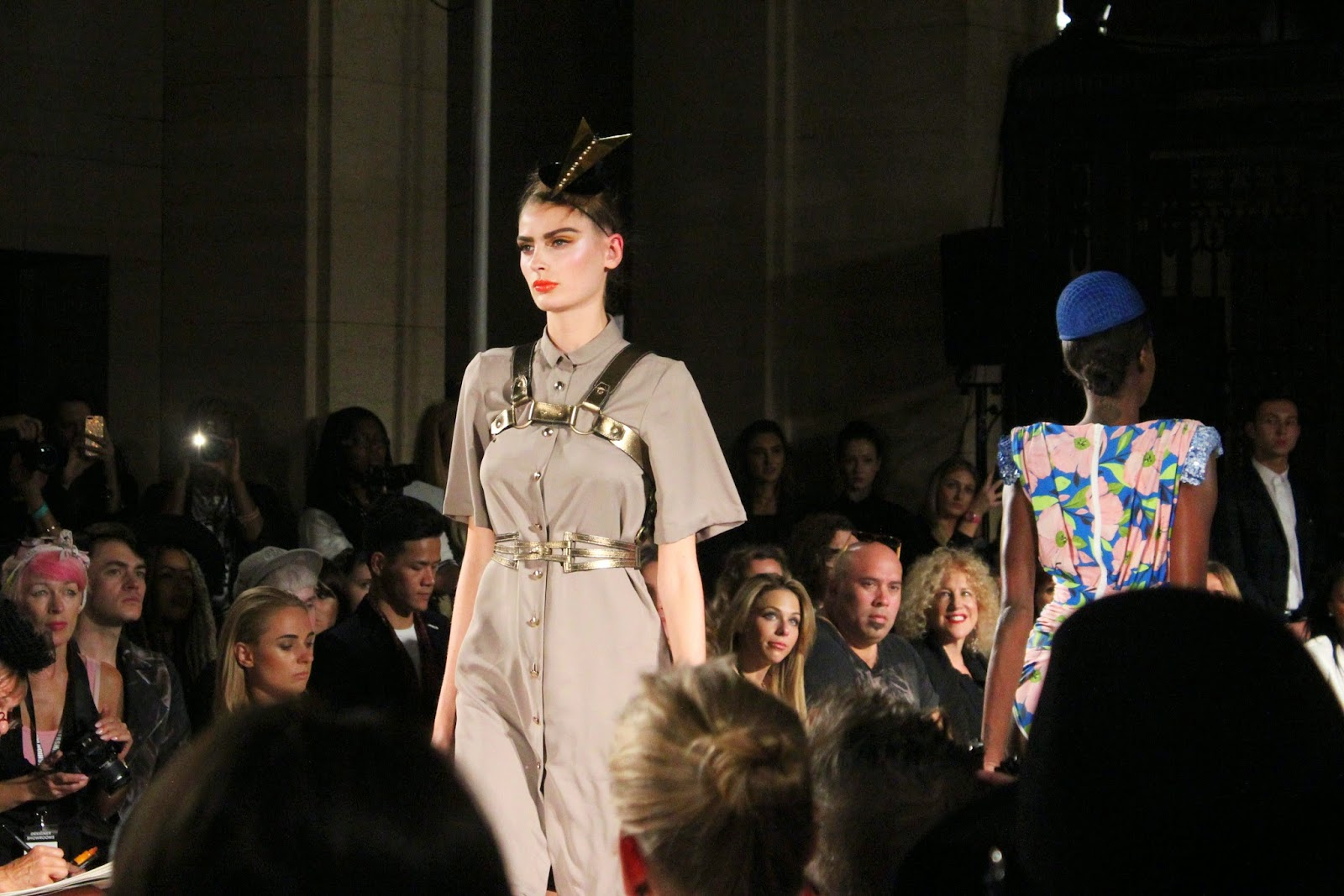 london-fashion-week-2014-lfw-spring-summer-2015-blogger-fashion-freemasons hall-fashion-scout-ashley-isham-catwalk-models-dress-swimsuit