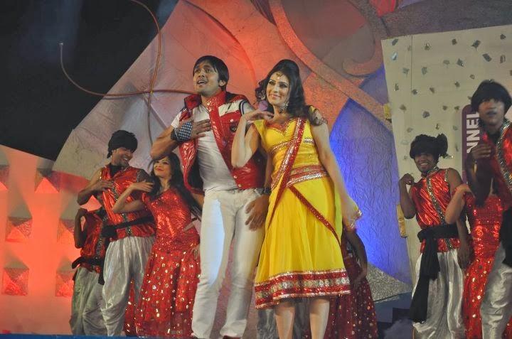 Model+Bidya+Sinha+Saha+Mim009