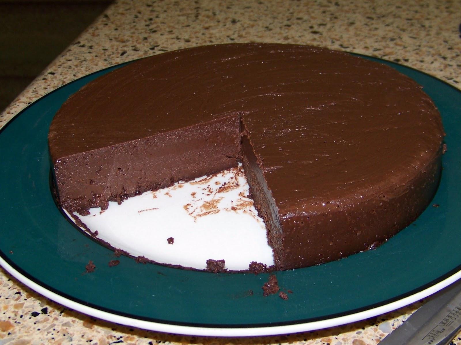Flourless Sugarless Chocolate Cake