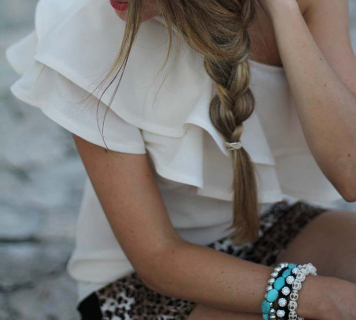 Lateral braid photo at fashion blog by Mónica Sors