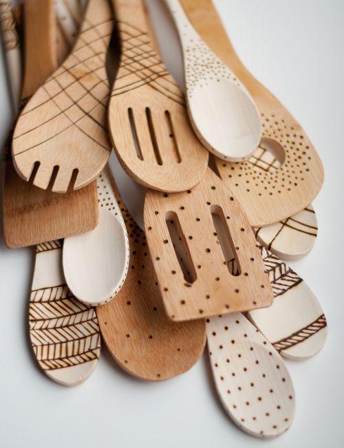 Colheres de madeira decorada