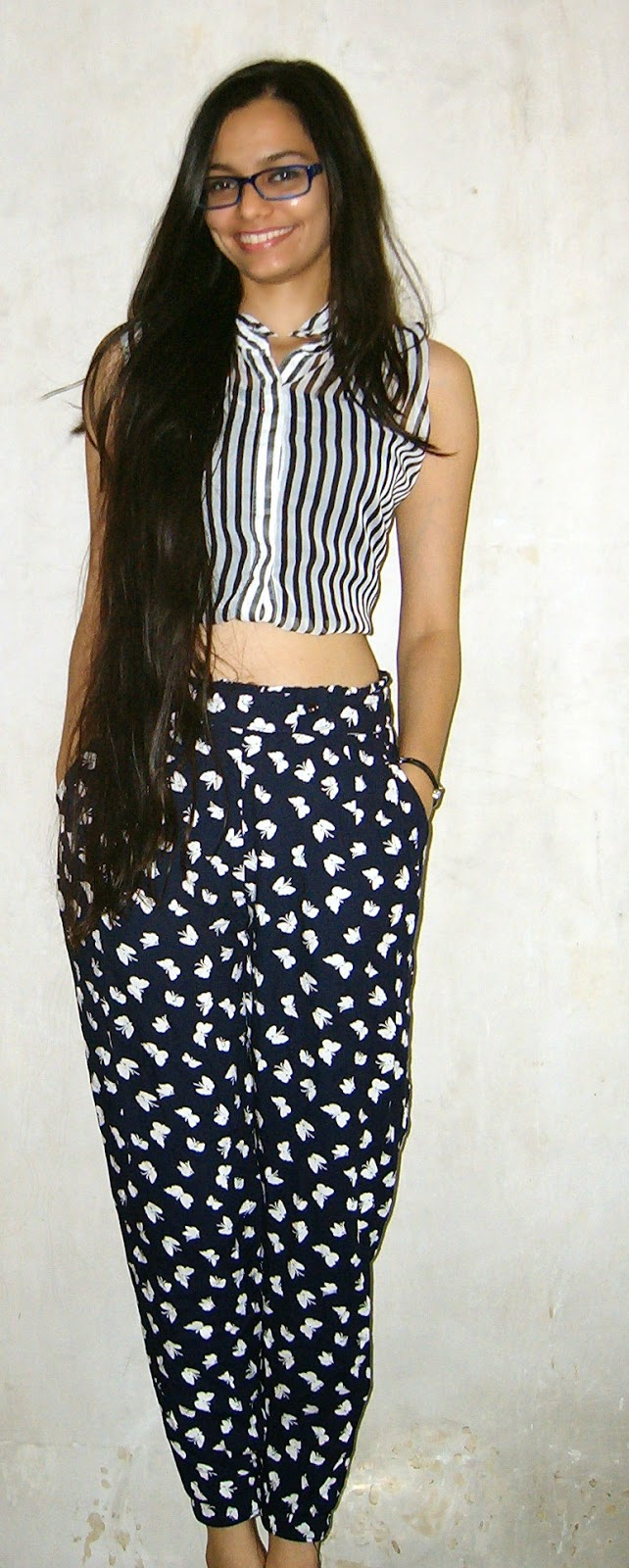 crop top, how to wear crop tops in india, printed trousers, stripes, summer outfit ideas, summer clothing in mumbai, mumbai streetstyle, indian fashion blogger