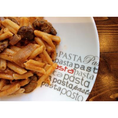 vegan creamy tomato mushroom pasta (vegan, soy free, gluten free, sugar free, corn free, nut free)