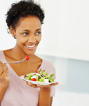 10 foods that naturally whiten and brighten your smile