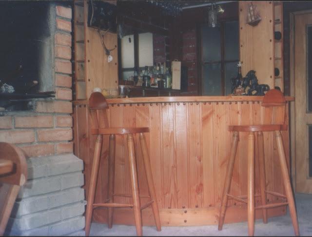 Bar de Pino Oregón  Fabricación de Muebles, Puertas y Ventanas en