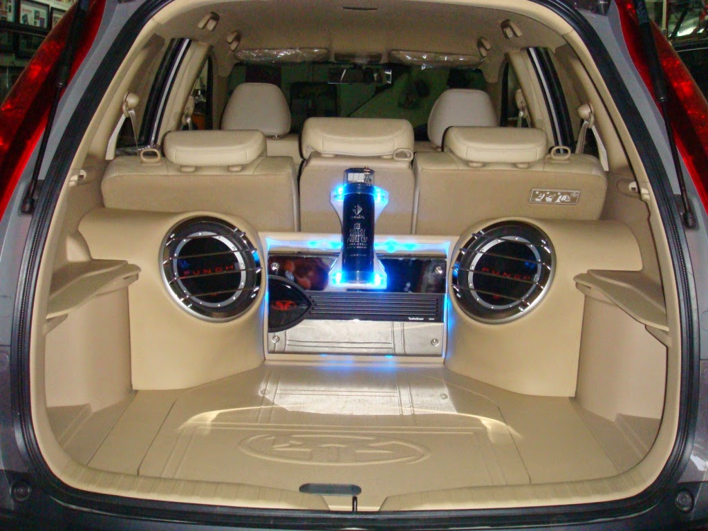 Foto Modifikasi Audio Mobil Honda CRV Terbaru 2014