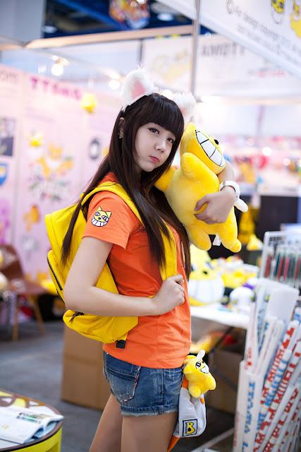 2 Kim Ha Eum - Seoul Character & Licensing Fair 2012-Very cute asian girl - girlcute4u.blogspot.com