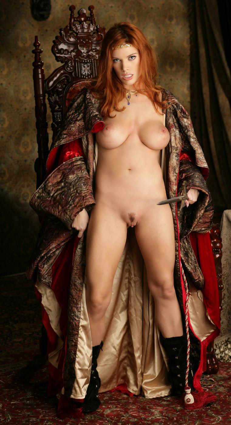 golaya-koroleva-eroticheskie-foto