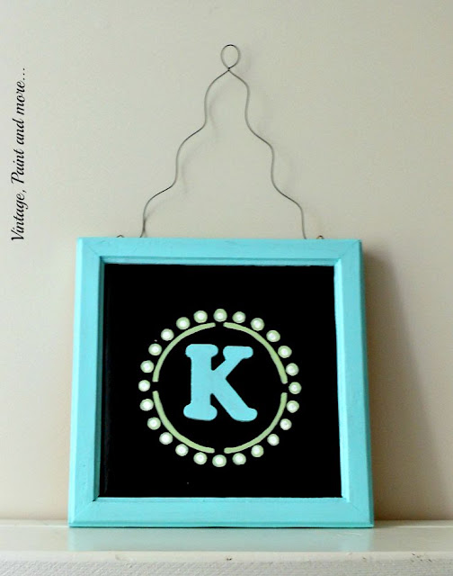 Vintage, Paint and more... DiY Dorm Decor - DIY wall art from a recycled frame and stenciling