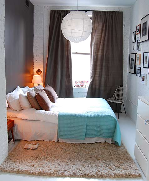 SMALL WHITE BEDROOM DECORATING A SMALL BEDROOM - HOW TO DECORATE A REALLY SMALL DORMITORY