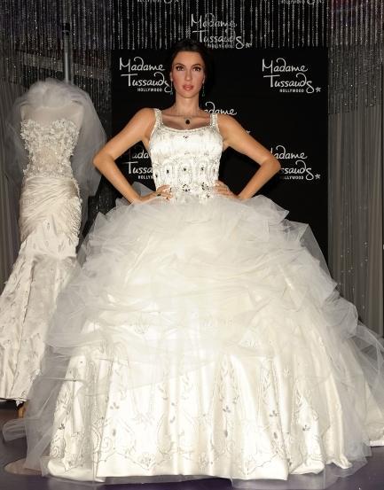 3 Wedding Dresses Kim Kardashian : Kim kardashian wedding dresses