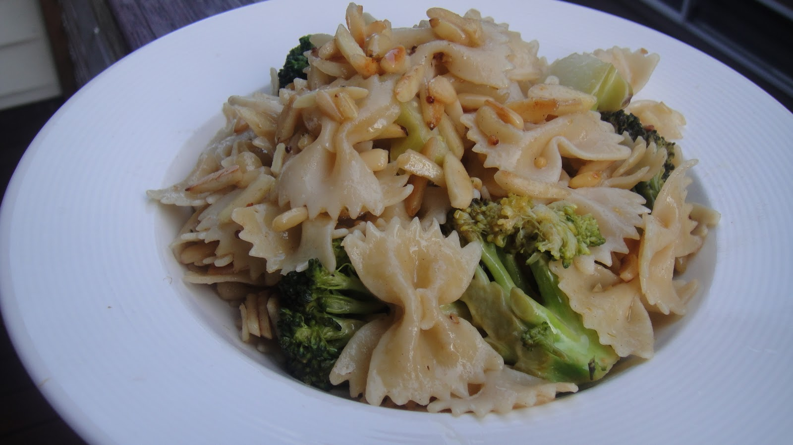 Mums in the Kitchen: Brown Butter Broccoli, Pine Nut and Basil Pasta