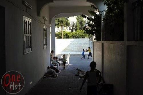 Warga Muslim Gaza mengungsi di Gereja Ortodoks Yunani 22