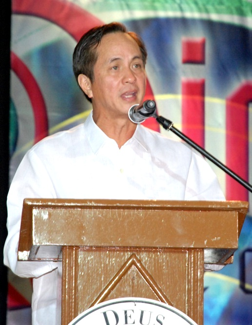 the strengths of abs cbn Abs-cbn corporation talents put the station back on the air and televised the drama of the unfolding uprising, thereby contributing to the strength of the.