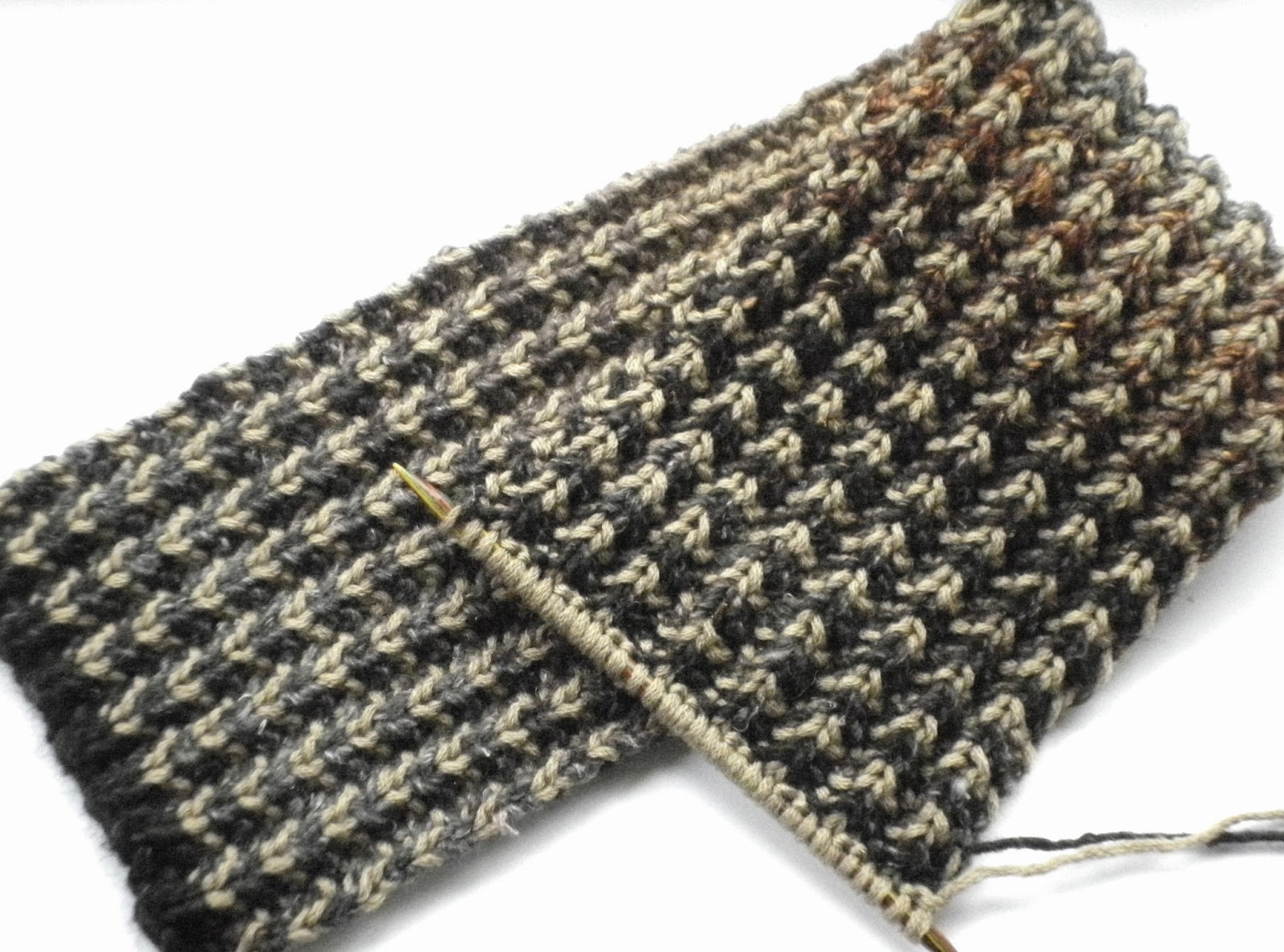 Bracken Mens Scarf Free Knitting Pattern And Colour Change