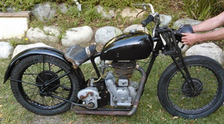 royal enfield motorcycles for sale pictures of the new bullet. Black Bedroom Furniture Sets. Home Design Ideas