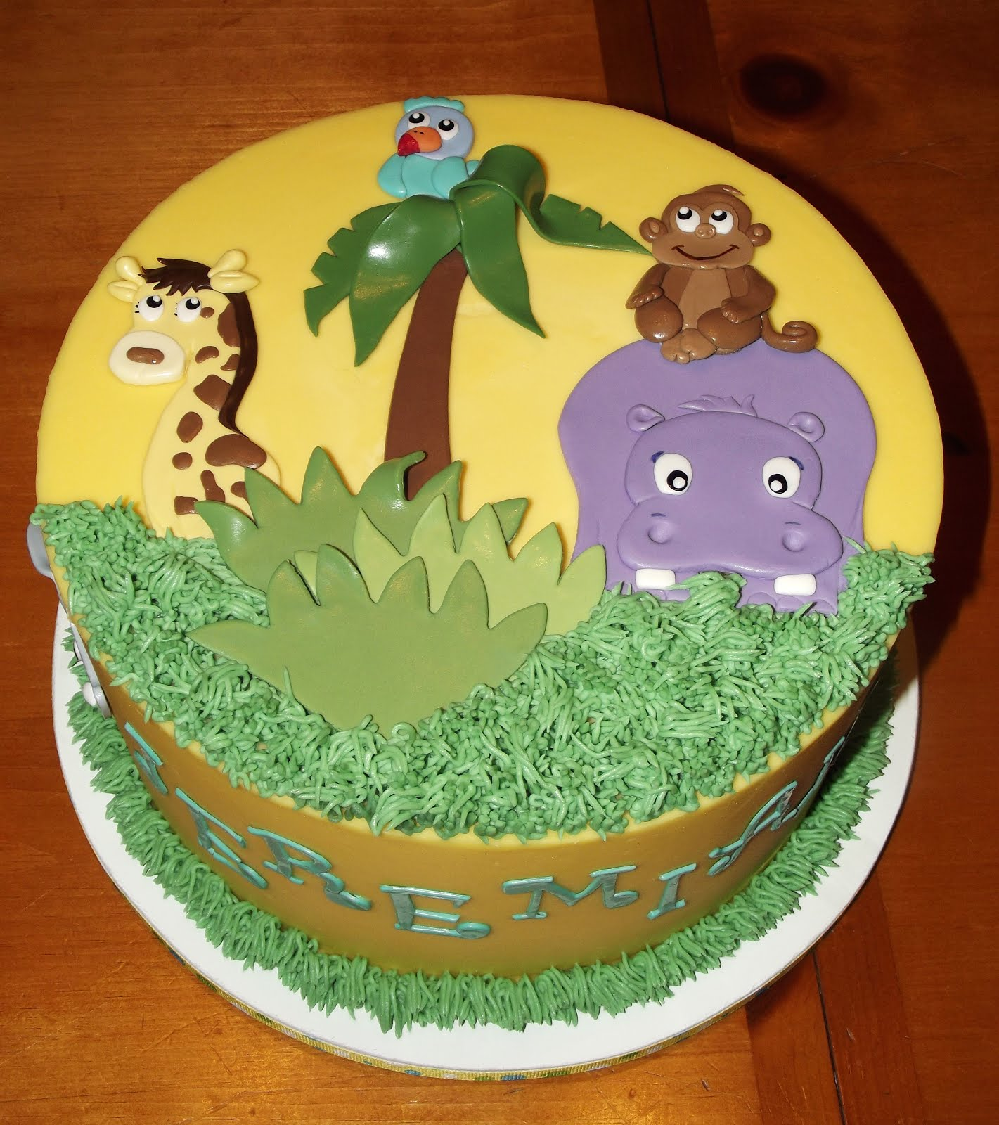 Suzy's Sweet Shoppe: Zoo Themed Cake