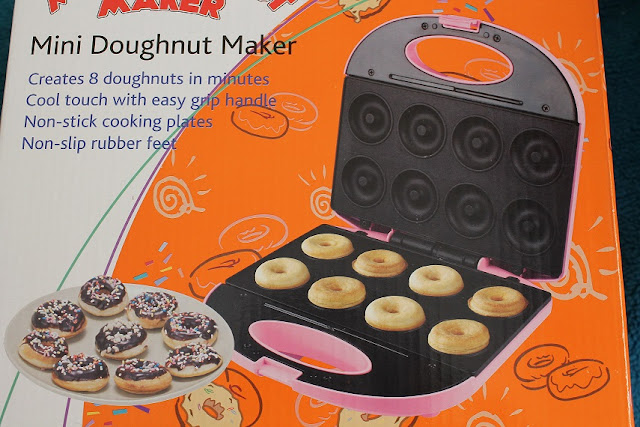 PRE-ORDER CORELLE.. NEW: Mini Doughnut maker etc