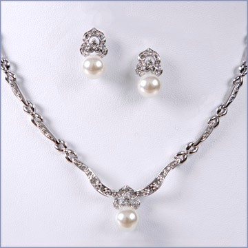Pearl Necklace Jewelry