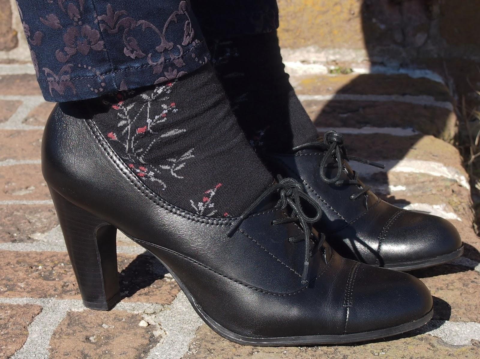 Adora le mie scarpe schiavo 7