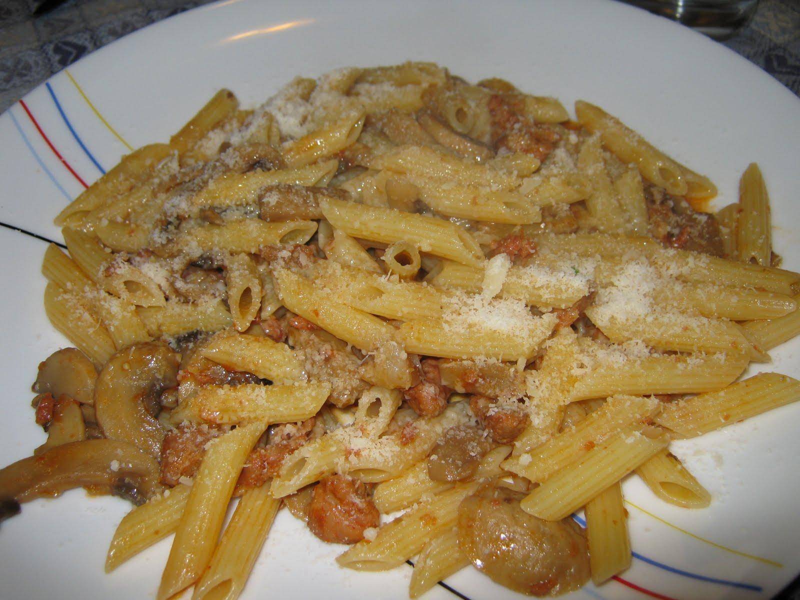 Pasticciare divertendosi in cucina penne salsiccia e funghi for Ricette veloci vegetariane primi piatti