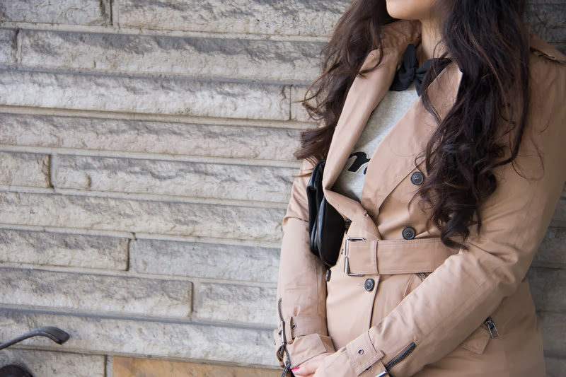 Trench-Coat, Black-Bow-Tie, Street-Style, Fashion-Blogger