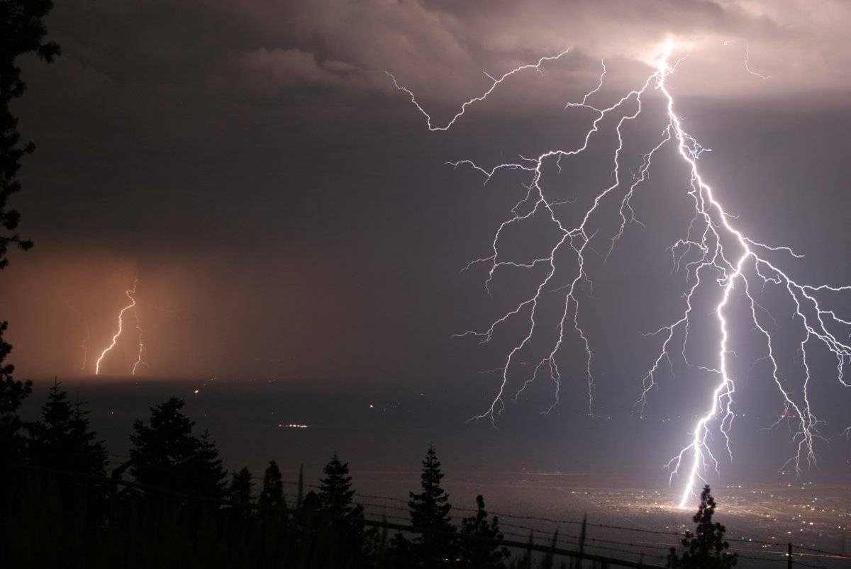 Resultado de imagem para Mais de 3 mil raios atingiram o Ceará somente em janeiro