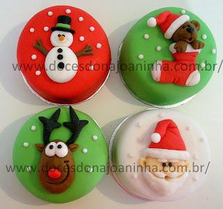 Minibolos decorados para o Natal: rena, papai noel, ursinho, boneco de neve