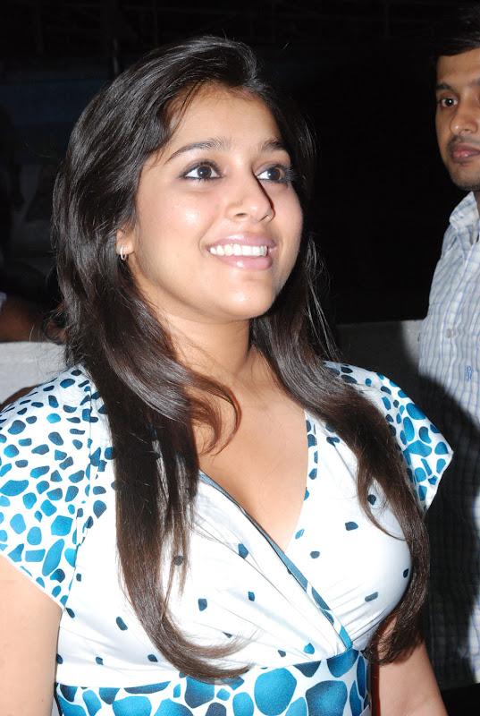 Kanden Stills Rashmi GautamKanden Movie Release Date Actress Rashmi Stills glamour images