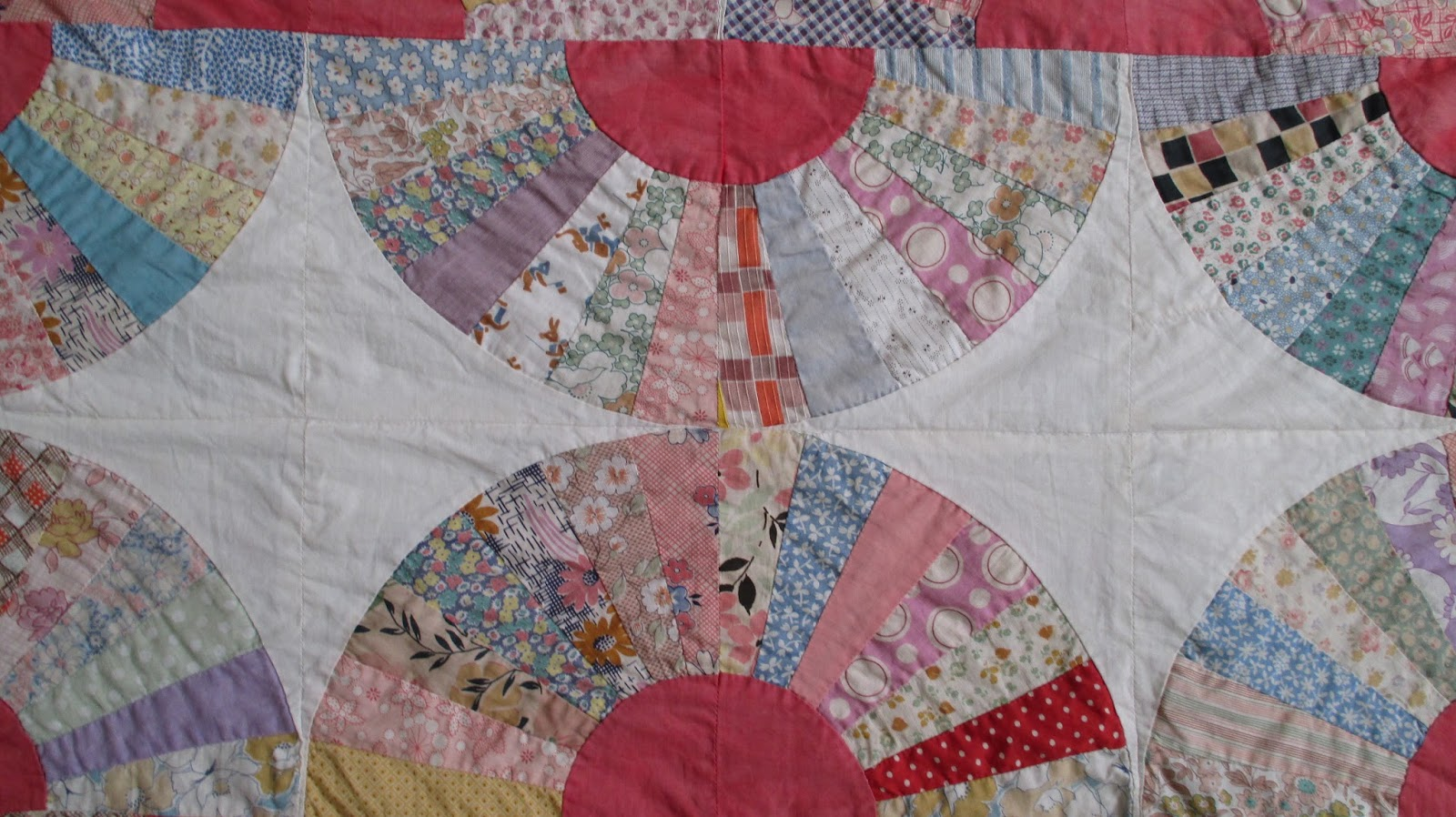 Quilt Pattern For Grandmother S Fan : The Literate Quilter: A Gifted Grandmother s Fan Quilt