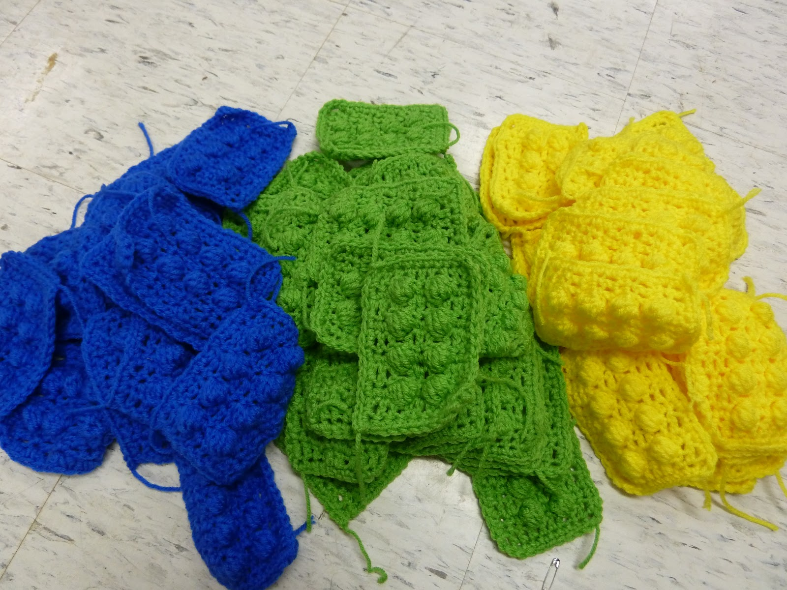 Knotted-Thread: Crochet Lego Blanket