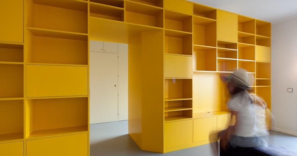 Estanter a a medida en color amarillo espacios en madera - Estanteria a medida ...