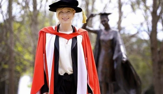 Cate Blanchett received his doctorate for his outstanding contribution to the development of art