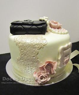 bolo aniversário renda flores