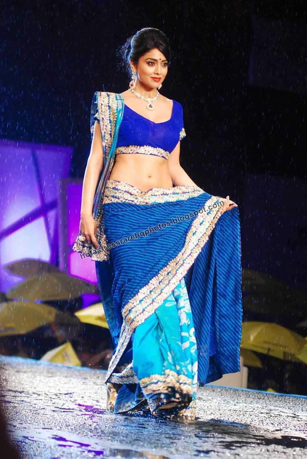 Hot indian actress rare hq photos actress shriya saran hot deep navel show in blue saree at Healing with style fashion show