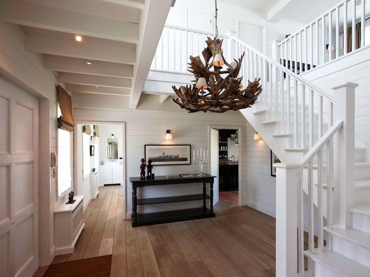 Den vita drömgården: trappa för new england hus