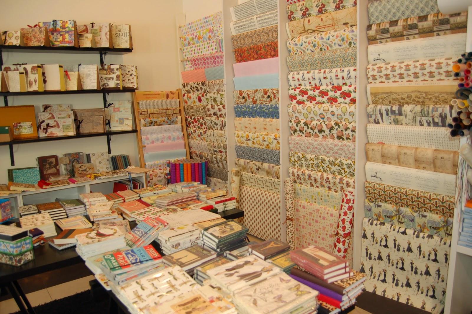 La vie est belle de tiendas por calle la merced 1 - Decorar muebles con papel ...