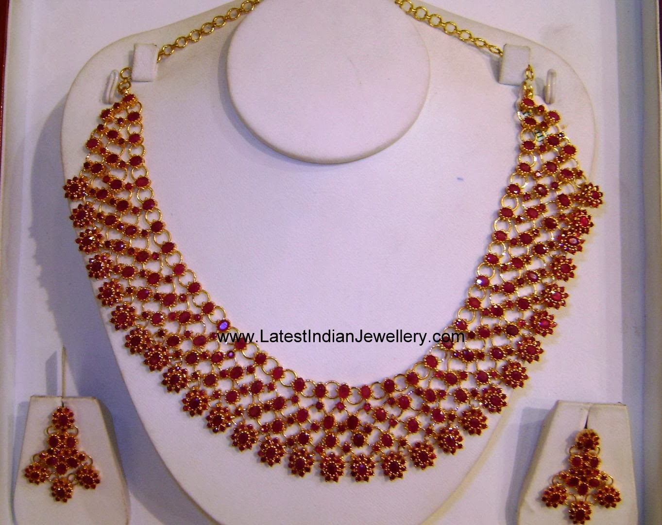 Evergreen Ruby Necklace Set