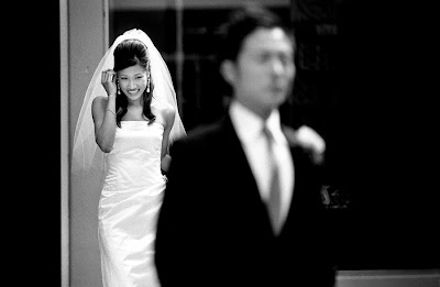 http://3.bp.blogspot.com/-A8jGHHW7Clo/Tl6QUo3FB_I/AAAAAAAAAhE/RuIw6FHsDnc/s400/Seattle-Wedding-Photographers.jpg