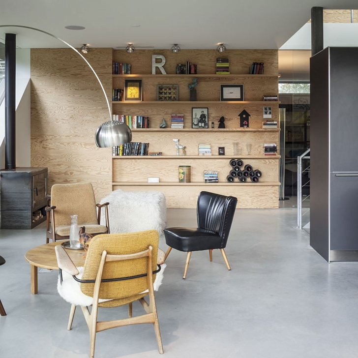 Sitting area in Modern Villa V by Paul de Ruiter Architects