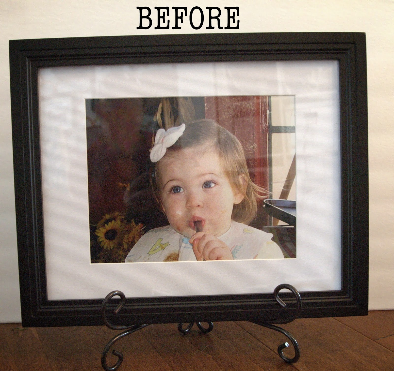 LoveYourRoom: Wrapping Paper Photo Frame Mat Project